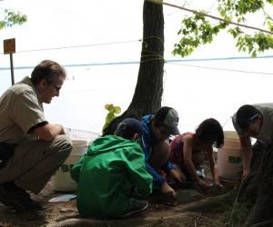 Archéologues amateurs et professionnels: un travail d'équipe!